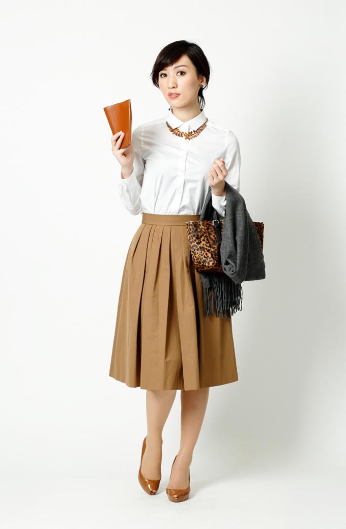 デートにもピッタリ!白シャツ×ミモレ丈スカートで女性らしく ...